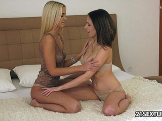First timer lesbians Tracy Smile and Joleyn Burst