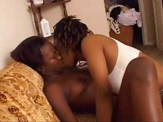 Amateur black lesbians